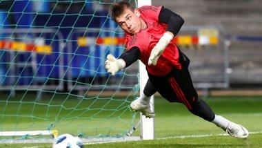 Лунін може перейти у Райо Вальєкано – македонець дає українцеві шанс