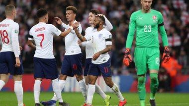 Англия легко разгромила Чехию: хет-трик и пенальти от Стерлинга, дебюты Хадсон-Одоя и Райса
