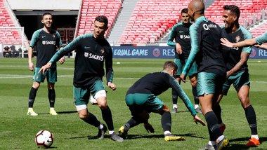 Одноклубник Зинченко, 120-миллионный вундеркинд, Роналду и другие – заявка сборной Португалии на матч с Украиной