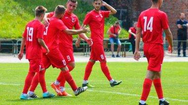 Кубок України: Таврія розбила Реал Фарму, Верес у драматичному матчі обіграв Ниву Т