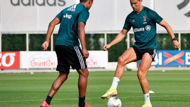 Роналду мотивує Ювентус перед відновленням сезону – показники португальця вражають