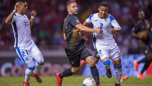 """Троє гравців збірної Нікарагуа """"зняли"""" повій після провалу у матчі з Коста-Рікою – тренер миттю розібрався з порушниками"""