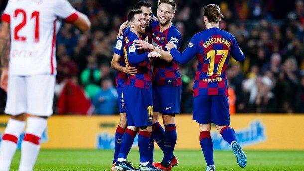 """Барселона розгромила Мальорку: хет-трик Мессі після презентації """"Золотого м'яча"""", асист тер Штегена та гол року Суареса"""