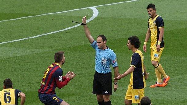 """Барселона – Атлетіко: гру судитиме арбітр, який раніше скандально """"коронував"""" команду Сімеоне на Камп Ноу"""