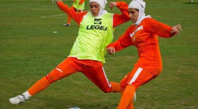 Четверо гравців жіночої збірної Ірану виявились чоловіками