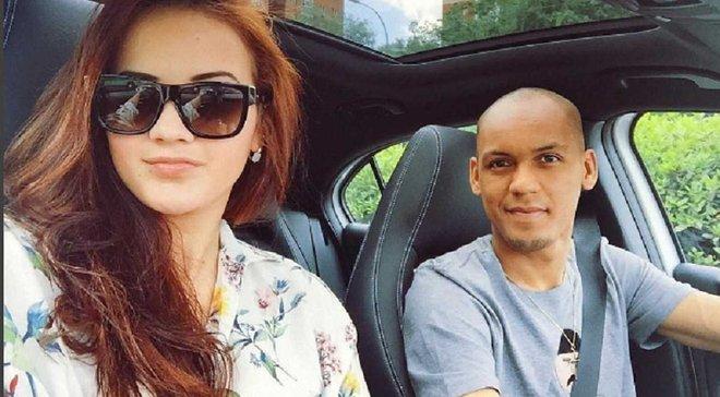 Шикарная жена Фабинью намекнула на переход игрока в МЮ