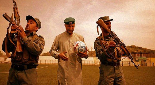 """""""Гей, снайпере, ось моя шия, ось моя голова – давай, стріляй"""". Як грають у футбол під час війни – Афганістан, Сирія, Лівія, Ірак"""