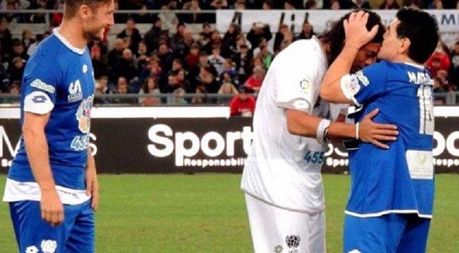 Как магическое трио Марадона-Роналдиньо-Тотти развлекало итальянскую публику фристайлом