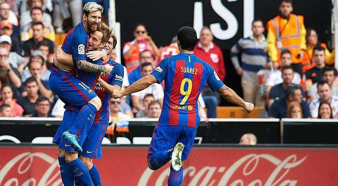 """""""Барселона"""" на последних секундах одержала волевую победу над """"Валенсией"""""""