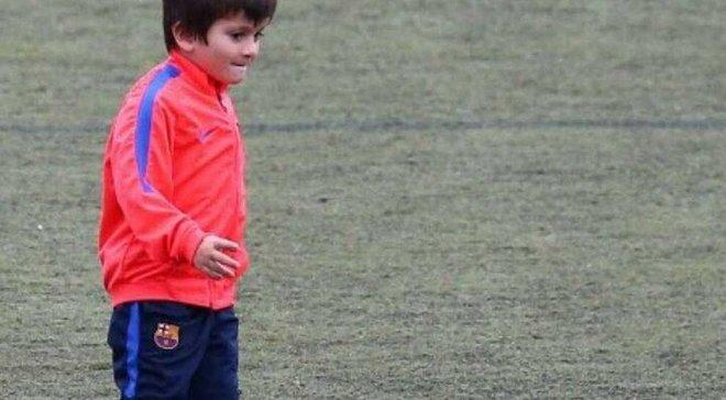 """Сеть отреагировала оригинальными мемами на первую тренировку сына Месси в """"Барселоне"""""""