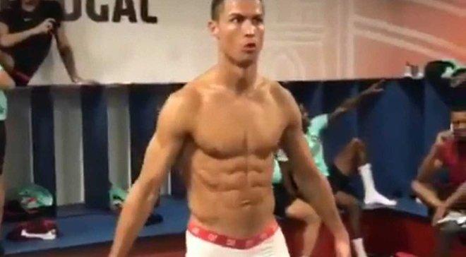 Збірна Португалії та Роналду взяли участь у флешмобі Mannequin Challenge
