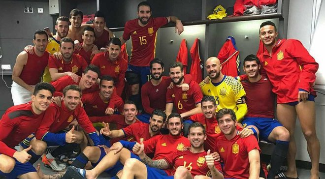 Збірна Іспанії виконала крутий Mannequin Challenge після диво-камбеку з Англією