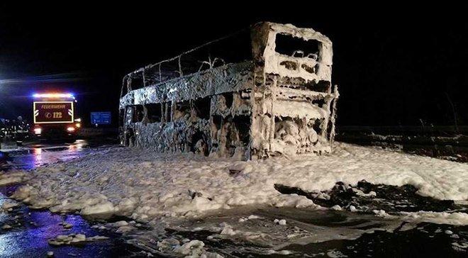 """Автобус фанатів """"Баварії"""" згорів по дорозі у Мюнхен після матчу з """"Борусією"""""""