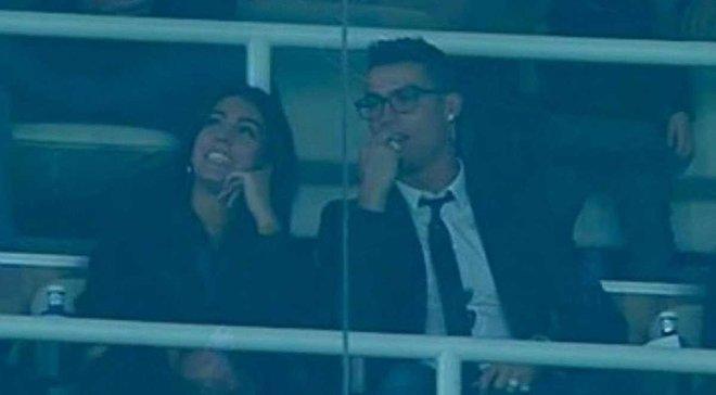 """Эпичная реакция Роналду, его девушки и сына на победный гол """"Реала"""""""