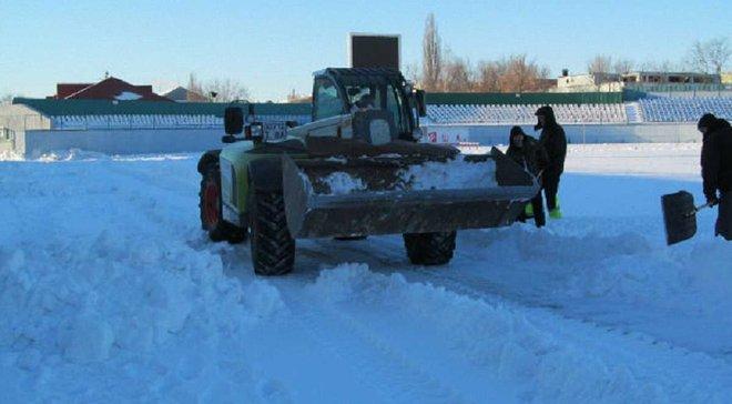"""""""Зирка"""" просит всех неравнодушных помочь очистить стадион от снега"""