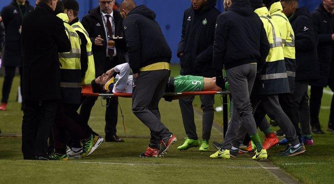 """Півзахисник """"Сент-Етьєна"""" Пажо отримав жахливий удар в голову, після якого втратив свідомість"""