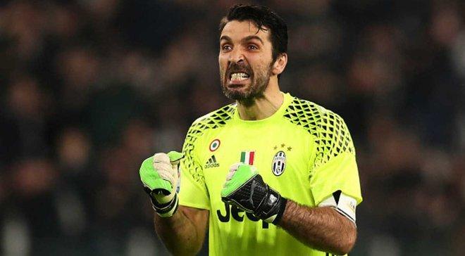 Буффон обігнав Тотті і вийшов на 3-є місце за кількістю матчів в Серії А