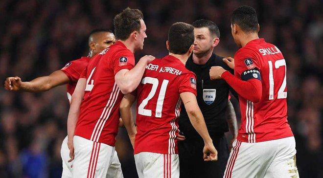 """""""Манчестер Юнайтед"""" обвинен в потере контроля над игроками в матче с """"Челси"""""""