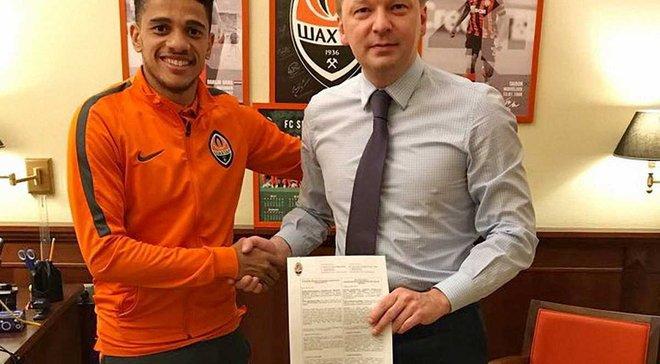 Тайсон подписал новый контракт с Шахтером