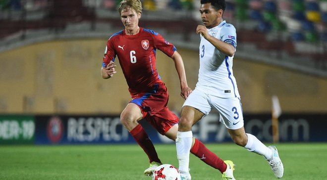 Англия вышла в финал Евро-2017 U-19, дожав Чехию на последних секундах
