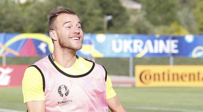 Фанаты Сток Сити выбрали между Ярмоленко и Коноплянкой замену Арнаутовичу