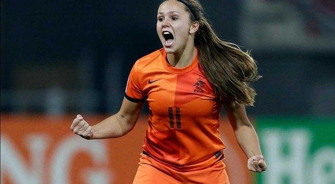 Гравчиня жіночої збірної Нідерландів знищила двох суперниць красивим фінтом на Євро-2017