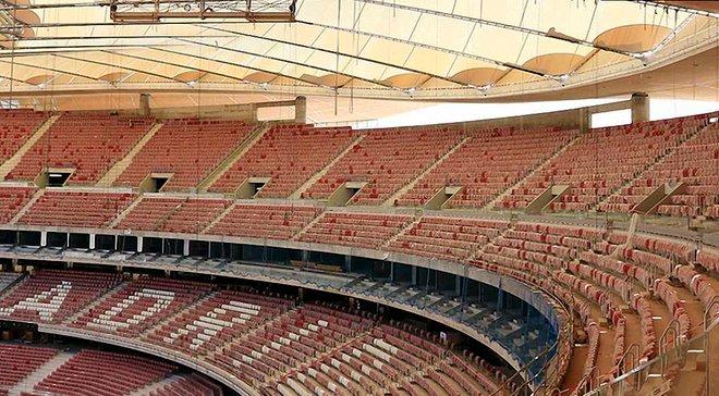 На новом стадионе Атлетико завершили монтировать крышу