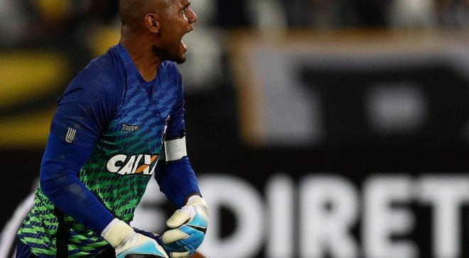 У голкипера сборной Бразилии Джефферсона преступники отобрали автомобиль средь белого дня
