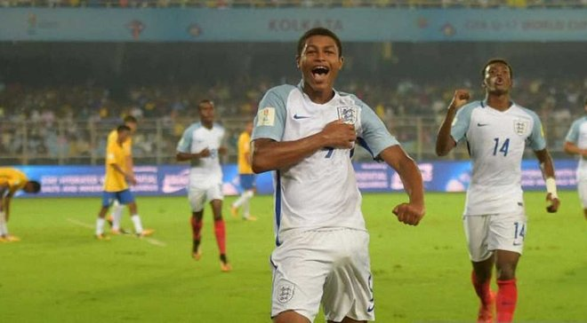 Англия победила Бразилию благодаря хет-трику Брюстера и вышла в финал чемпионата мира U-17