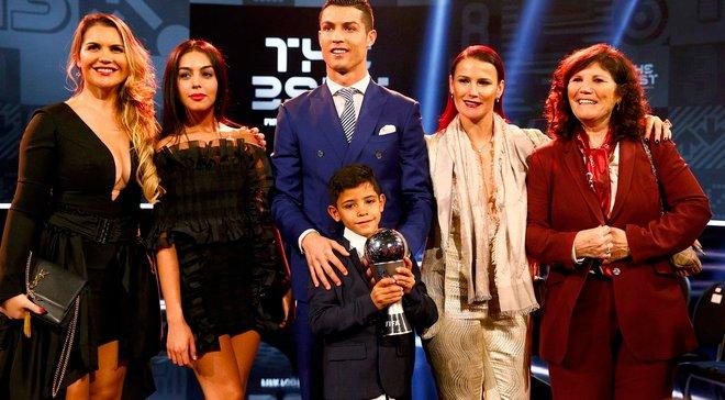 Син Роналду та його захоплення Ліонелем Мессі – фото з гала-церемонії ФІФА, яке підірвало мережу
