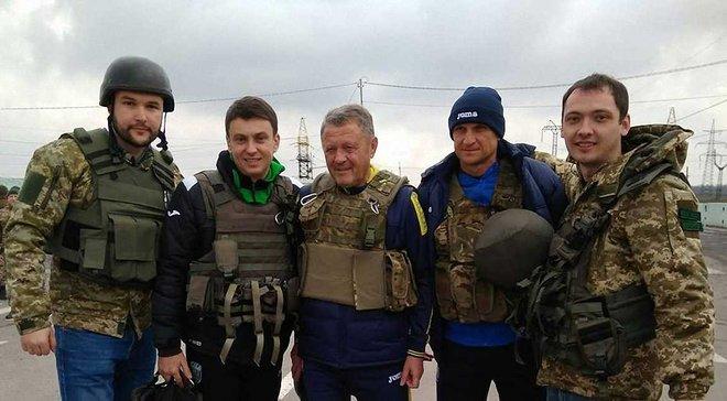 Маркевич і Єзерський зіграли у футбол у гарячій Мар'їнці та побували під Донецьком
