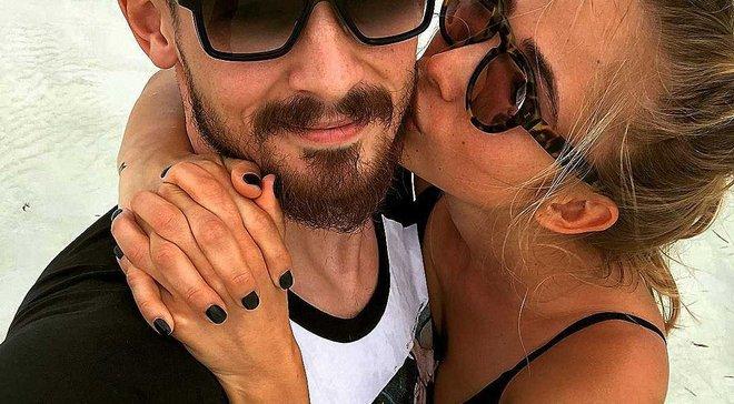 Дружина Бойка знялась оголеною у відвертій фотосесії