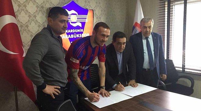 Олимпик подтвердил переход Антона Кравченко в Карабюкспор