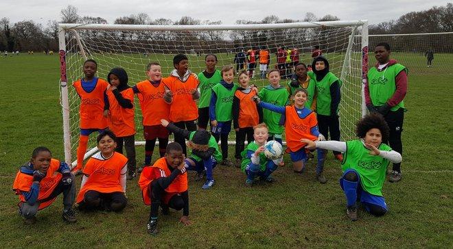 УЕФА может запретить бить по мячу головой в детском футболе