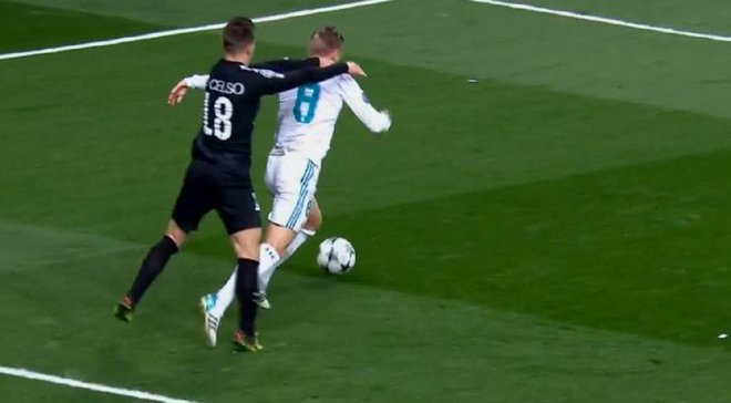 Реал – ПСЖ: арбитр несправедливо назначил пенальти в ворота парижан, считает экс-арбитр ФИФА