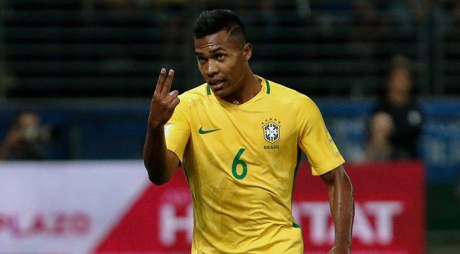 Алекс Сандро викликаний до збірної Бразилії замість Філіпе Луїша