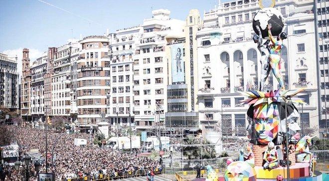 Роналду, Пике и Рамос стали провокационными героями фестиваля карикатурных кукол в Валенсии