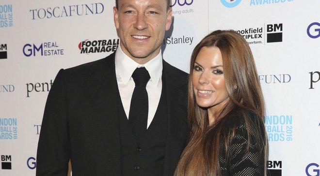 Жена Джона Терри продемонстрировала свои футбольные таланты