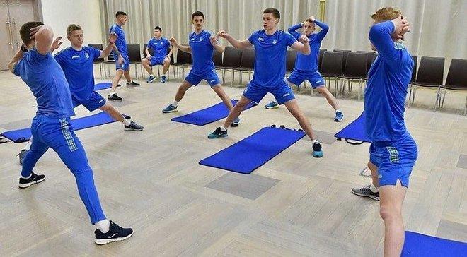 Збірна України через погоду замінила тренування відновлювальними процедурами