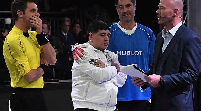 Клюйверт курьезно не пожал руку Марадоне, а потом оправдался в Инстаграм