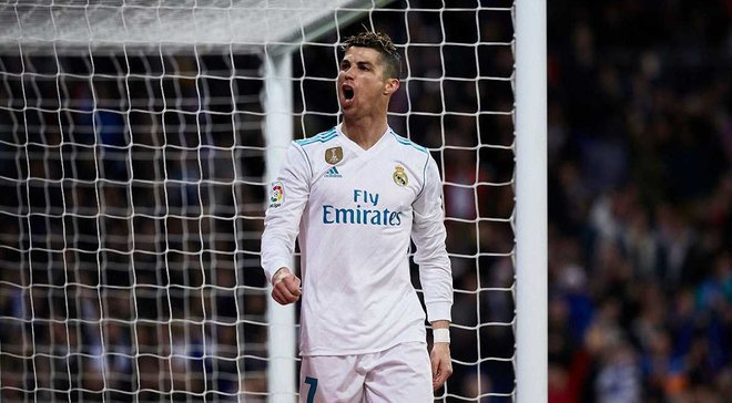 Роналду сыграл 900 матч в карьере