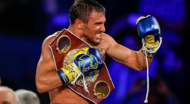 Ломаченко подарил Роналду боксерские перчатки