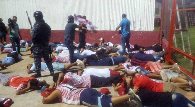 В Аргентине задержали более 100 фанатов из-за драки во время матча