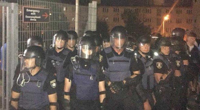 Динамо – Шахтер: фанаты показали следы от побоев полицией (18+)