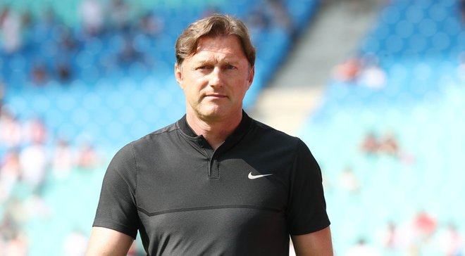 Хасенхюттль разорвал контракт с РБ Лейпциг