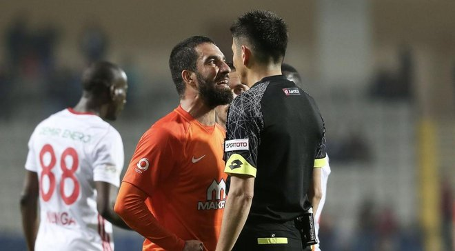 Туран оштрафован клубом на 250 тысяч евро за атаку на лайнсмена
