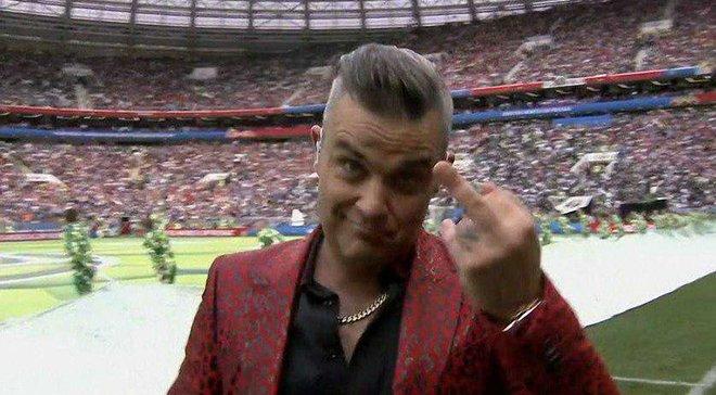 ЧМ-2018: Телеканал Fox извинился за жест Робби Уильямса на церемонии открытия