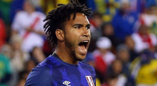 Воротар Перу Галлесе подякував уболівальникам після матчу проти Франції