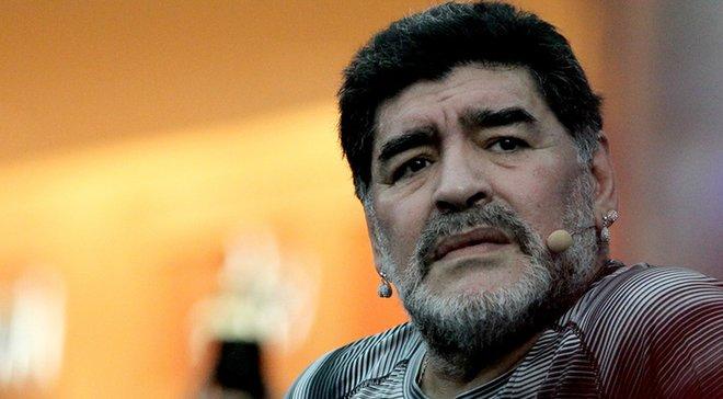 Марадона: Аргентина не знает, во что играет. Месси сложно решать проблемы партнеров