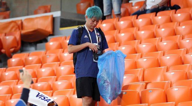 ЧМ-2018: японские болельщики убрали за собой мусор после матча с Сенегалом